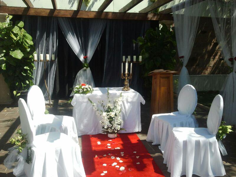 Celebra tu boda religiosa o civil con nostros